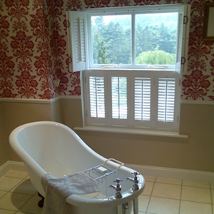 Plantation shutters tier on tier